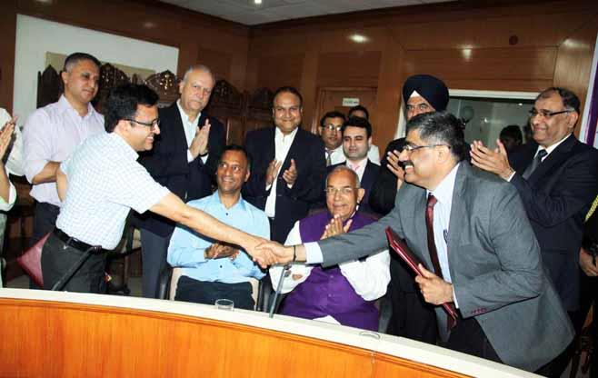 CII signs an MoU with Chandigarh Admin.