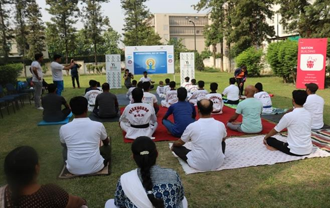 Session on yoga in Lucknow
