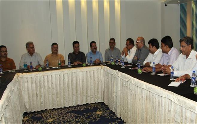 Members Meet